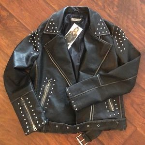 🌟🌟FAUX LEATHER jacket- DEX size S! Fits awesome
